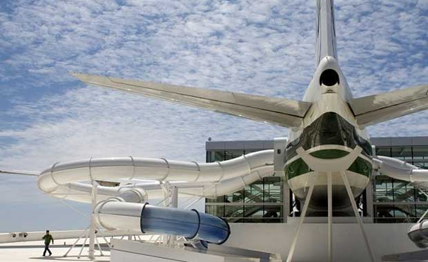 Boeing 747 Su Kaydırağı